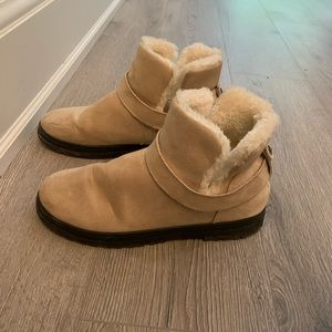 Shoes - Cozy fur lined bootie